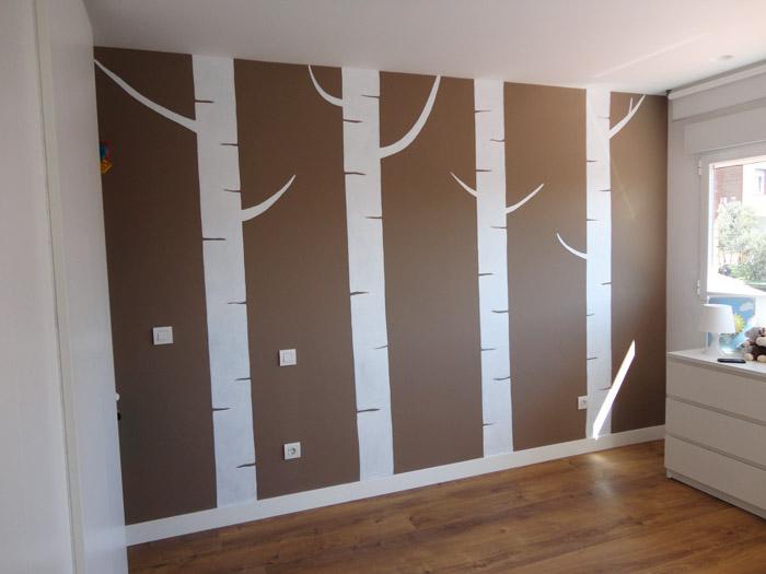 Decopared mural de troncos en dormitorio infantil - Murales para habitaciones infantiles ...
