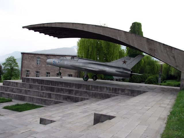 Armenia, MIG en Sanahin