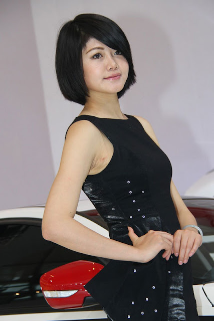 foto model cantik Auto show China 2012-13.jpg