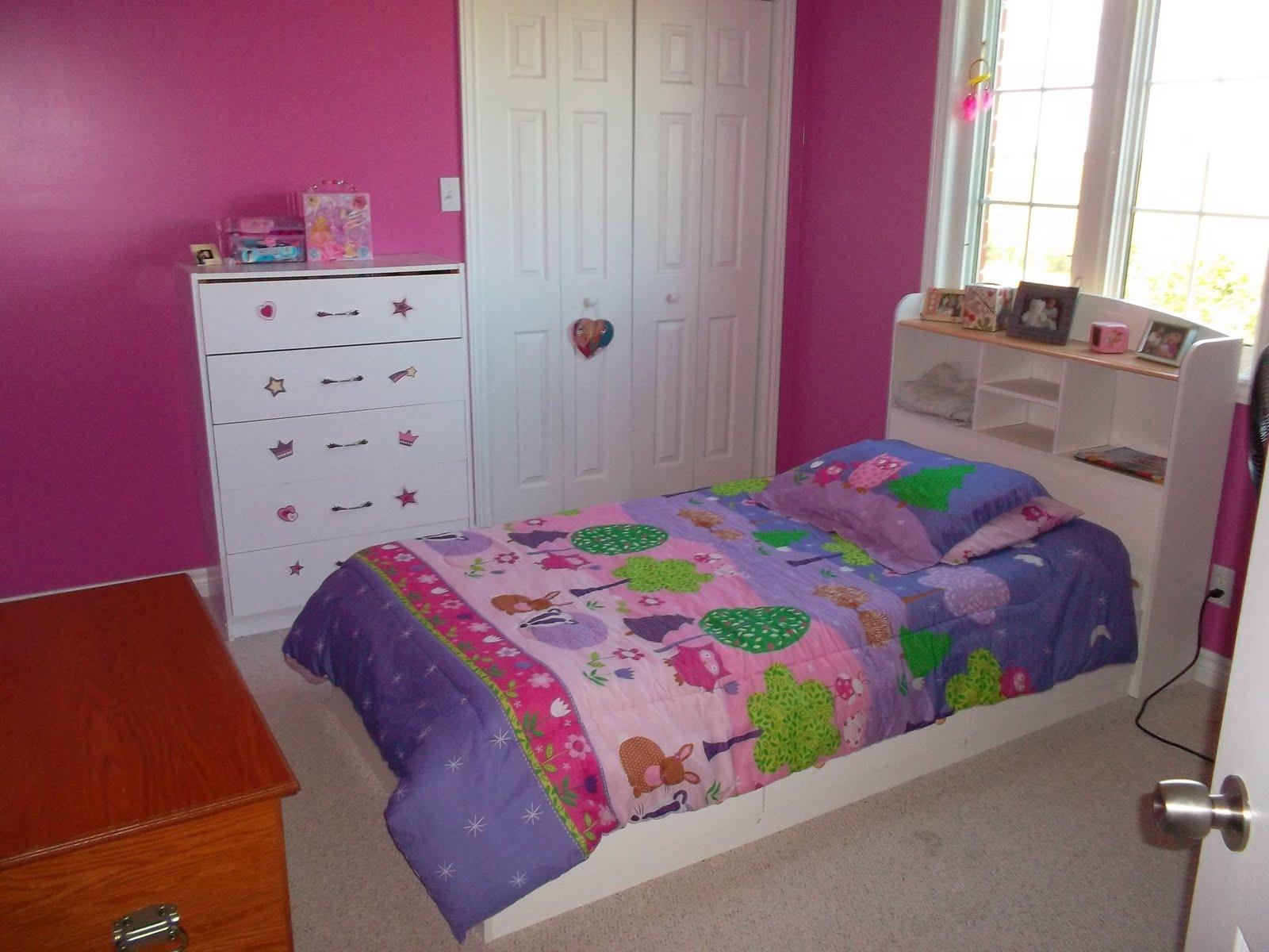 http://3.bp.blogspot.com/-_np5f_5iBno/ThIR_wI2FSI/AAAAAAAAA2c/q7SuOhqRp88/s1600/Frannie%2527s+room.JPG