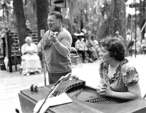 Bob and Evelyn Beers - INSTRUMENT(S) Fiddle; Psaltery