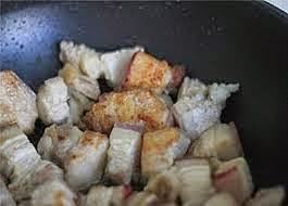 Thịt ba rọi kho khoai sọ thơm ngon