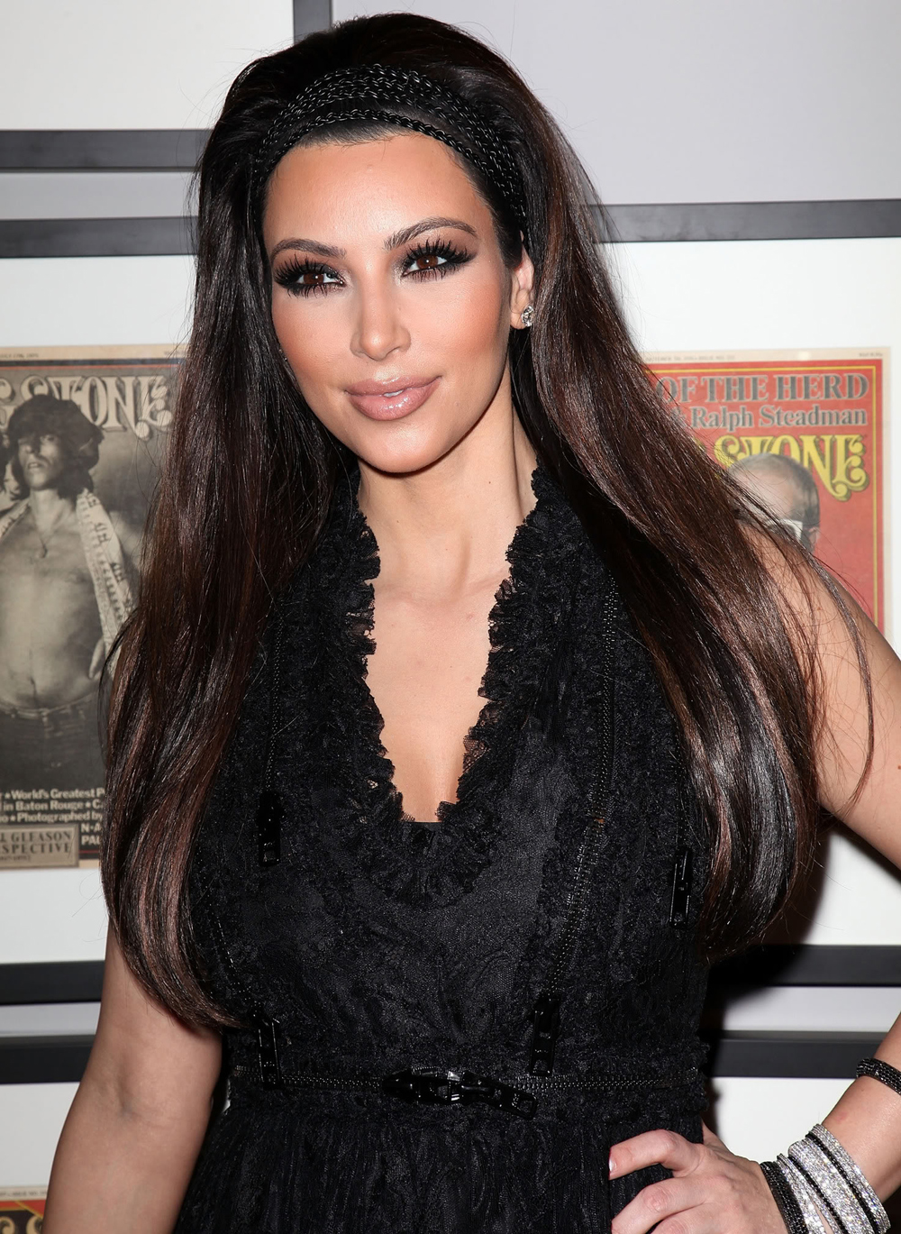 Kim Kardashian Long Straight Hairstyles 01