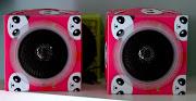 Mini Caixa de Som Panda.