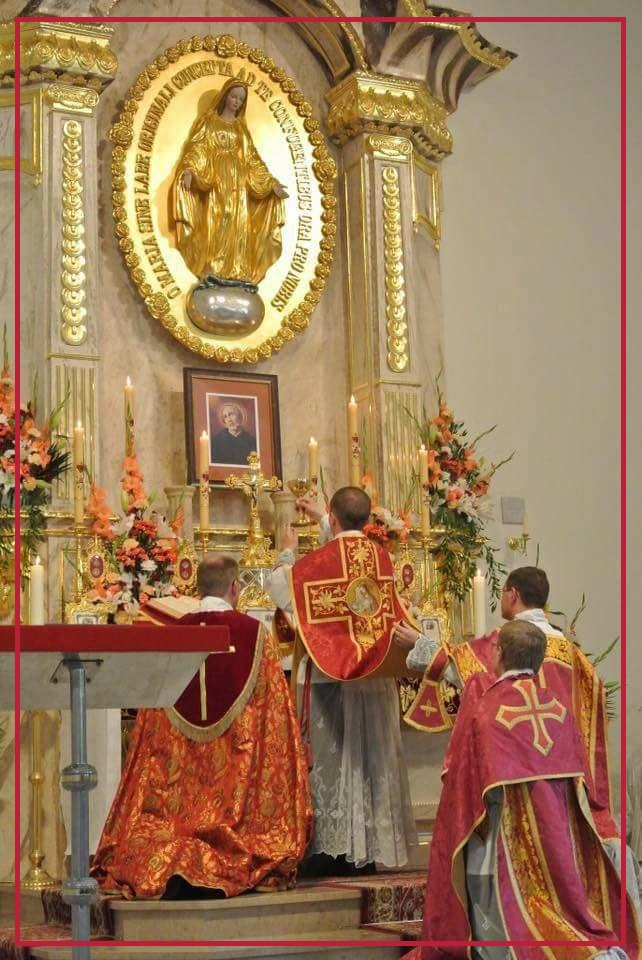 Traditional Latin Mass
