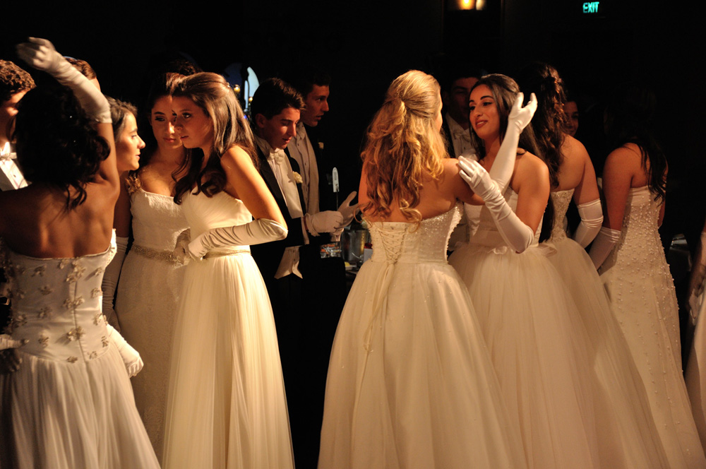 Debutante's in white gowns, Débutante ball Sydney. Event Photography by Kent Johnson.