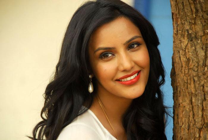 priya annew test actress pics