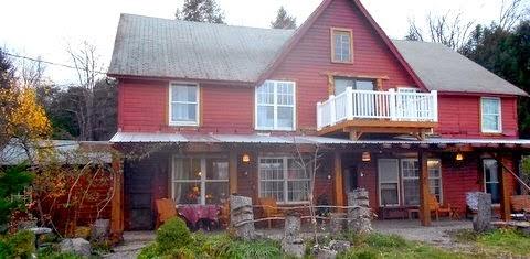 BEAUTIFUL VINTAGE MOUNTAIN HOUSE 4 SALE