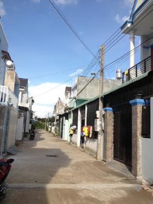 Đường trước nhà