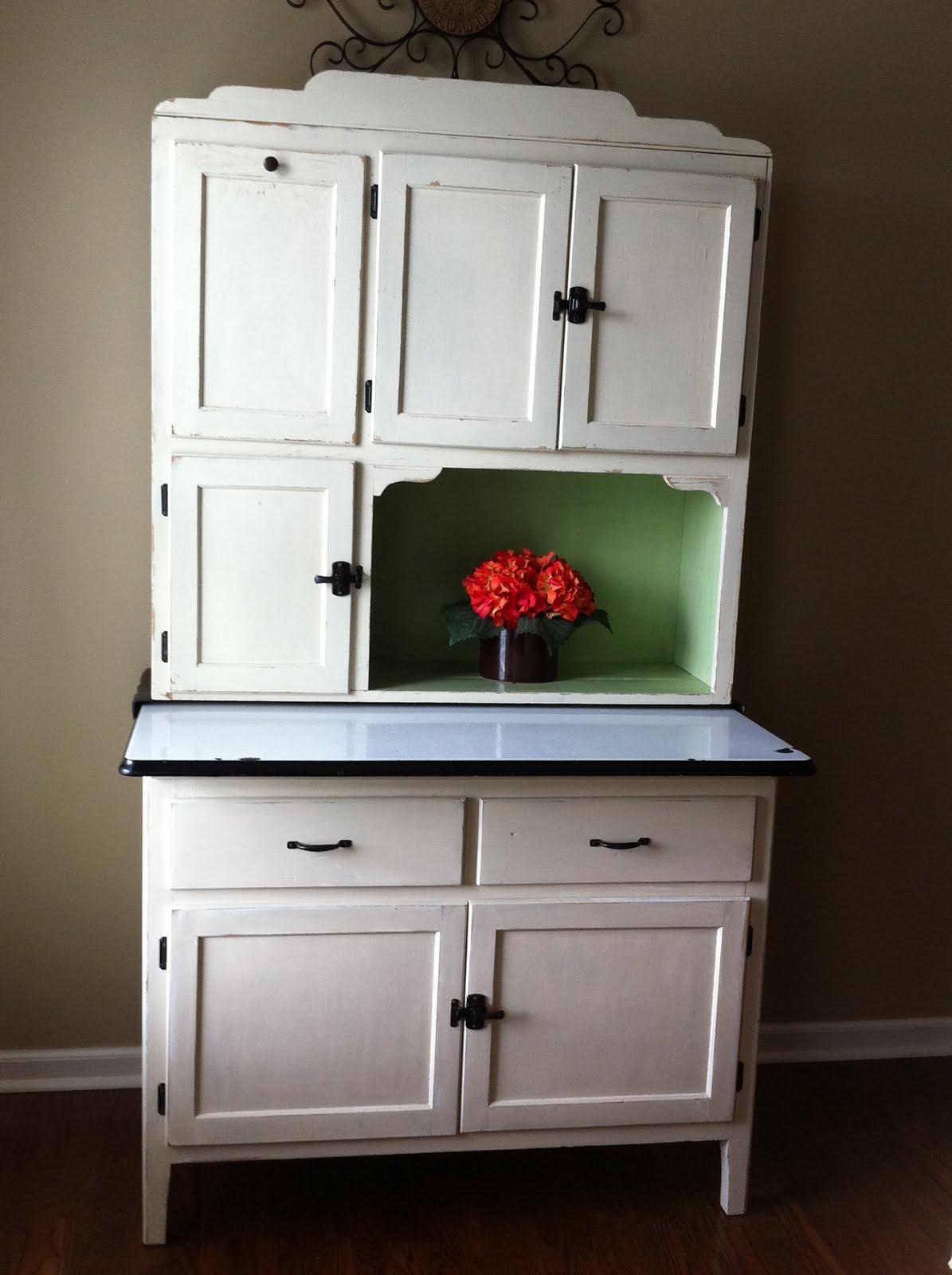 bug a boo corner hoosier redo. Black Bedroom Furniture Sets. Home Design Ideas