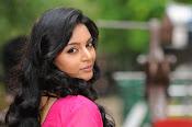 Sanam shetty new glamorous photos-thumbnail-5