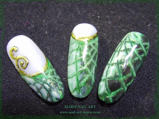 Nail Art effet Peau de Serpent2