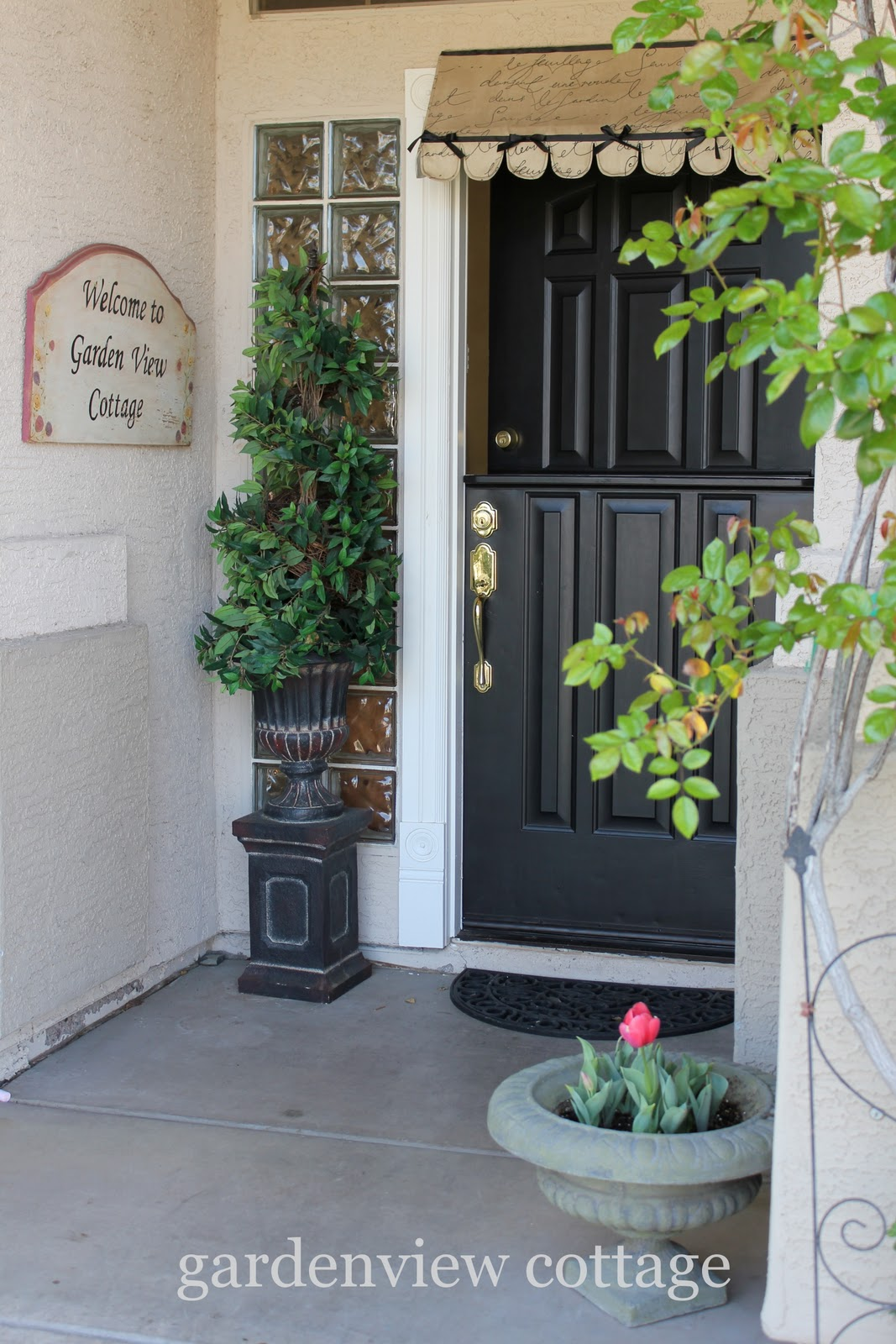 gardenview cottage: How to Make a Dutch Door
