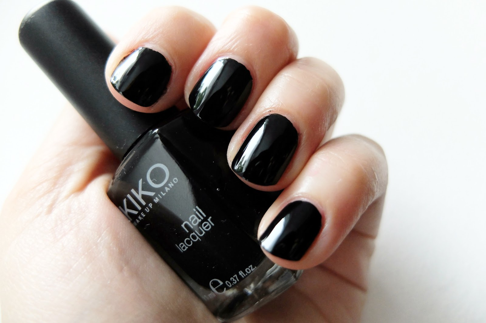 NAIL ART BLACK FRENCH MANUCURE