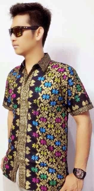 Foto Gambar Fashion Model Baju Batik Pria Branded Import