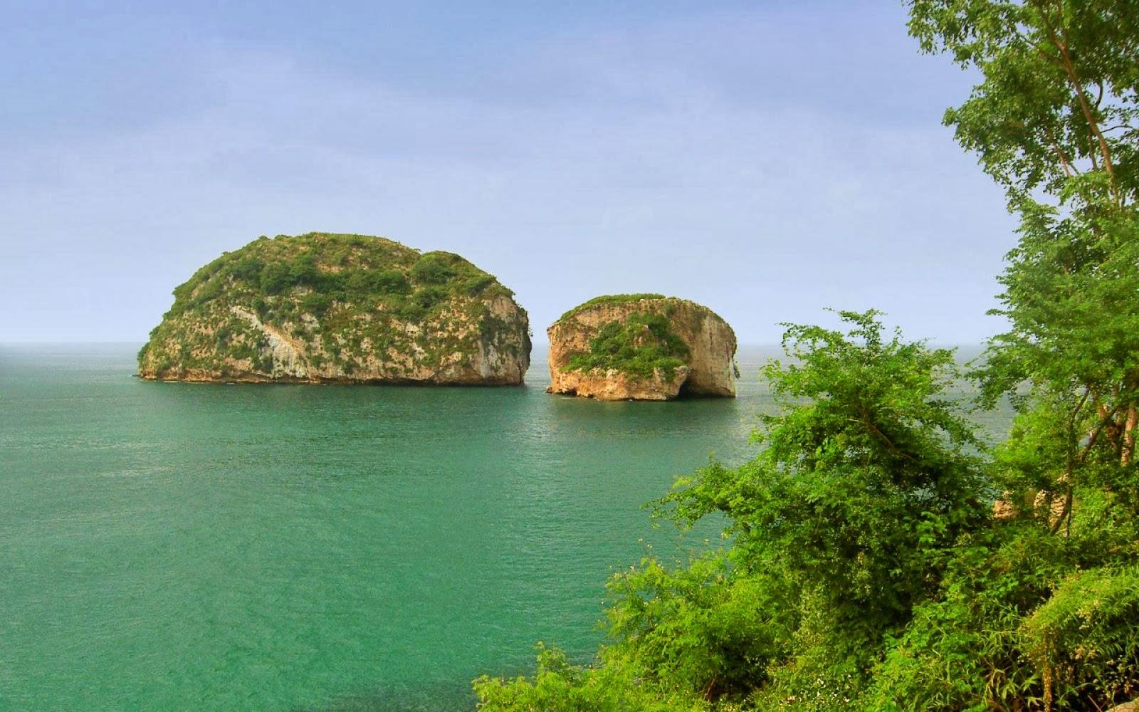 Los Acros Island