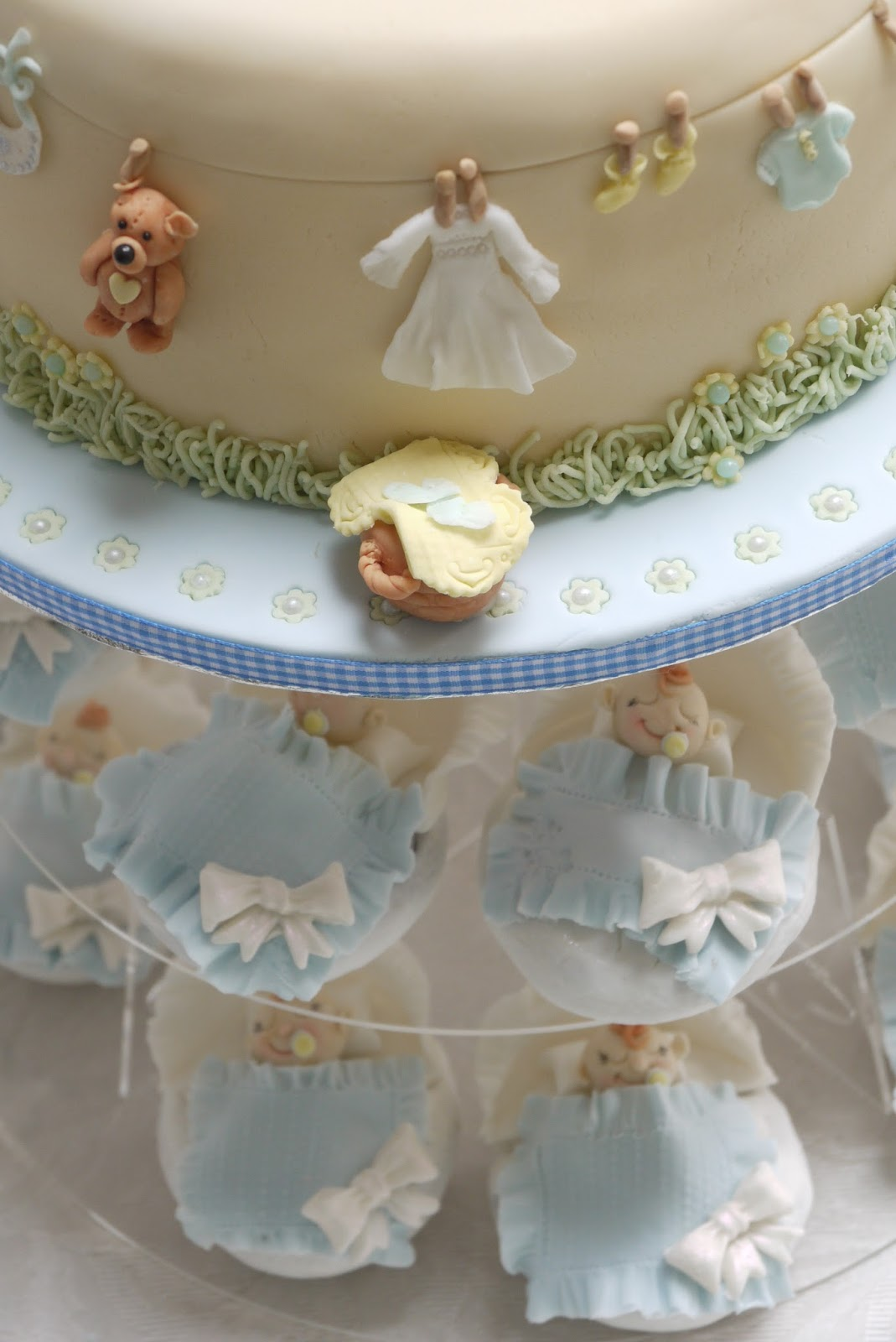 Scrummy Mummy's Cakes
