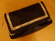 CUSTOM : STUDDED PURSE