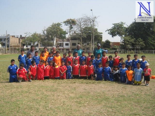 "AMISTOSO CON ESCUELA DE FUTBOL KIWI ""CALLAO"""