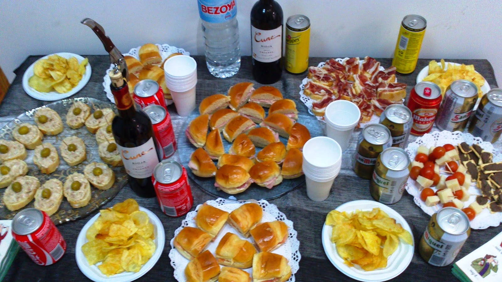 Hoy merendamos con isabel canapes y bocadillitos for Canape en ingles