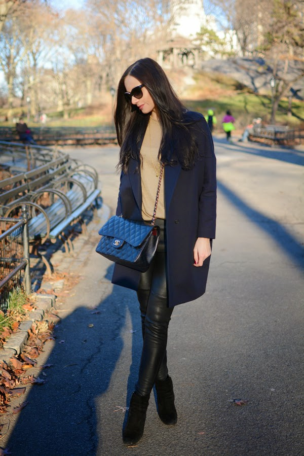 LamourDeJuliette_Outfit_New_York_Cashmere_Winter_Outfit_Chanel_How_To_Wear_Leather_Pants_007
