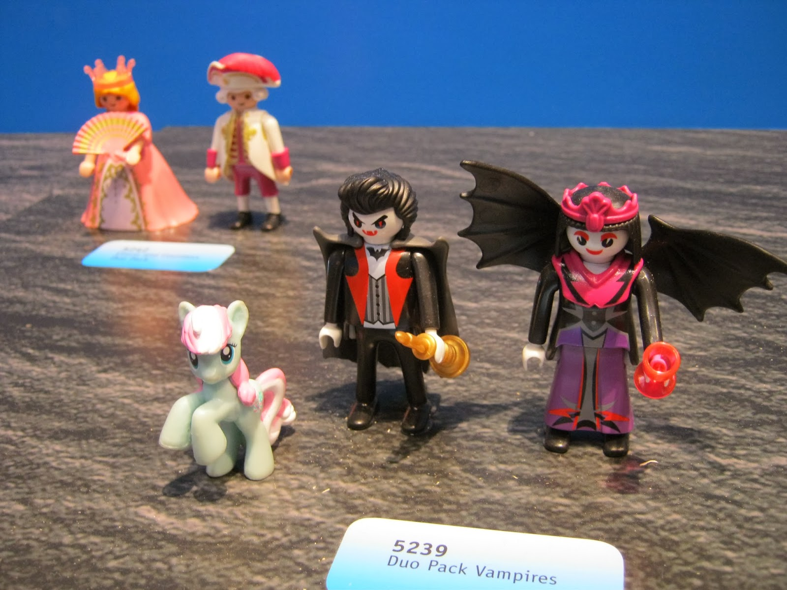Where 39 s minty toy fair 2014 special post playmobil for Playmobil post