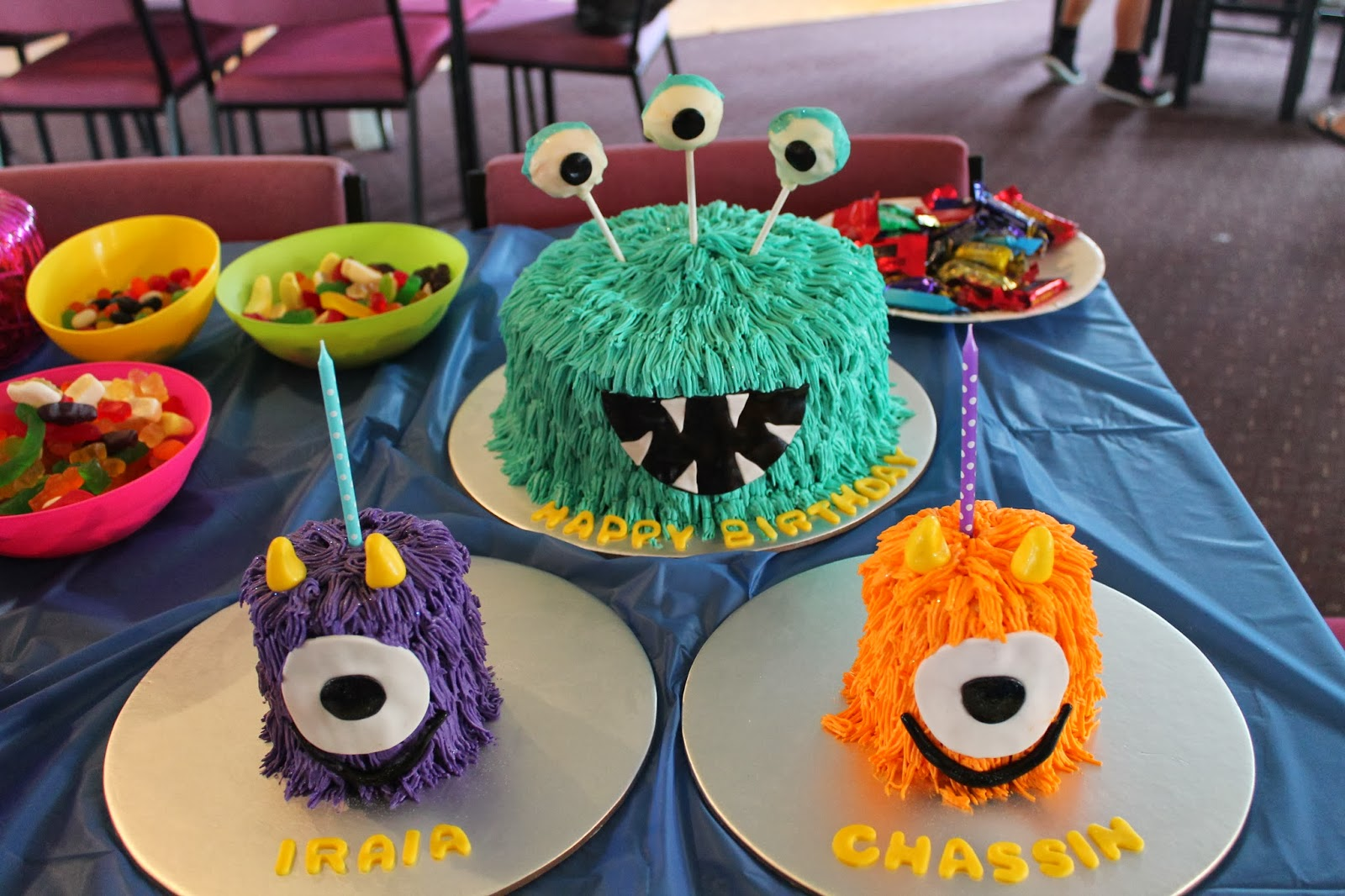 Karas Cakes Monster Cake and Smash Cakes