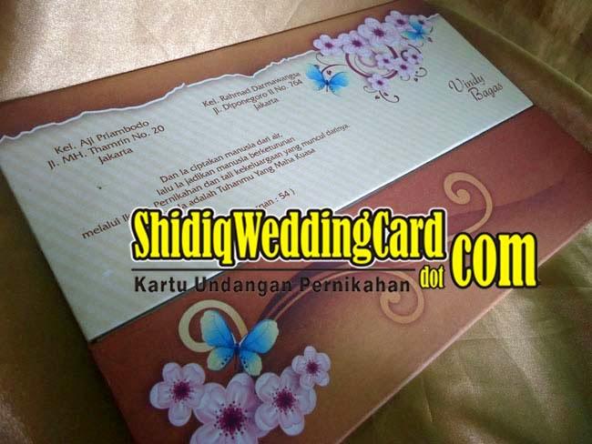 http://www.shidiqweddingcard.com/2015/02/hardcover-27.html