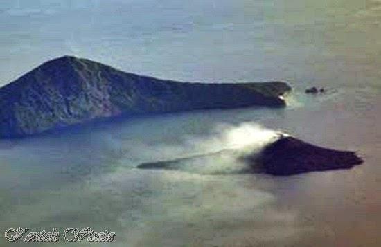 mount anak krakatau indonesia