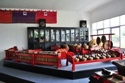 Koleksi Peralatan musik tradisional Gamelan di MURI