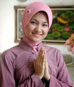 Foto Marshanda saat masih memakai jilbab