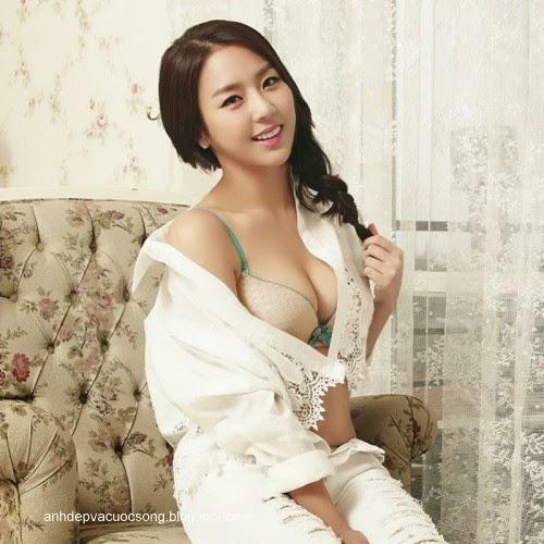 Ca sĩ Hàn Quốc làm người mẫu nội y 10