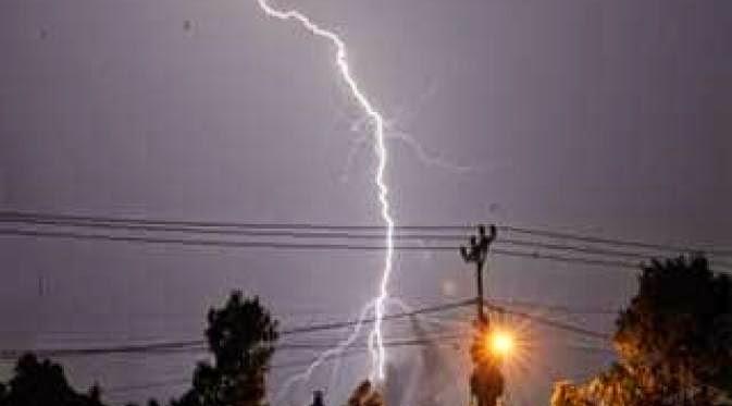 badai-petir-bangladesh