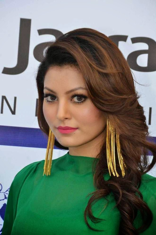 urvashi rautela hot spicy wallpapers