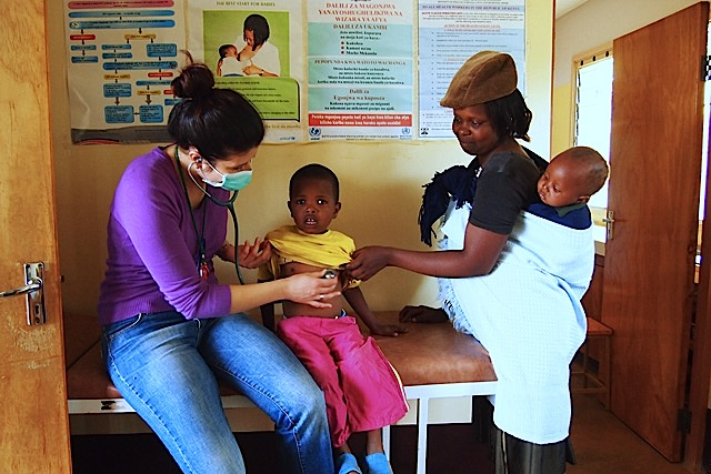 fra Miro Babić mali dom misija afrika sirotište volontiranje Martina Krmek