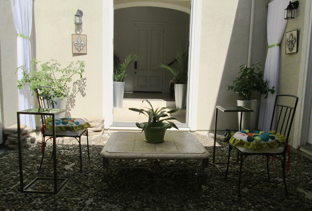 blog.oanasinga.com-interior-design-photos-decorating-our-own-house-the-courtyard-work-in-progress-7