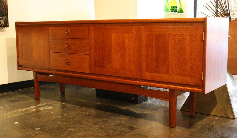 Mid2mod: in the store: incredible credenzas