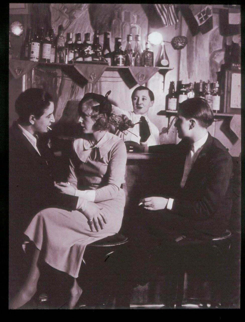 a couple at the le monocle lesbian nightclub paris 1932 vintage everyday. Black Bedroom Furniture Sets. Home Design Ideas