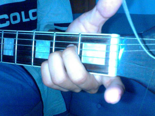 Gambar Bentuk Kunci Gitar Dasar Beserta Beberapa Bentuk Kunci Gitar ...