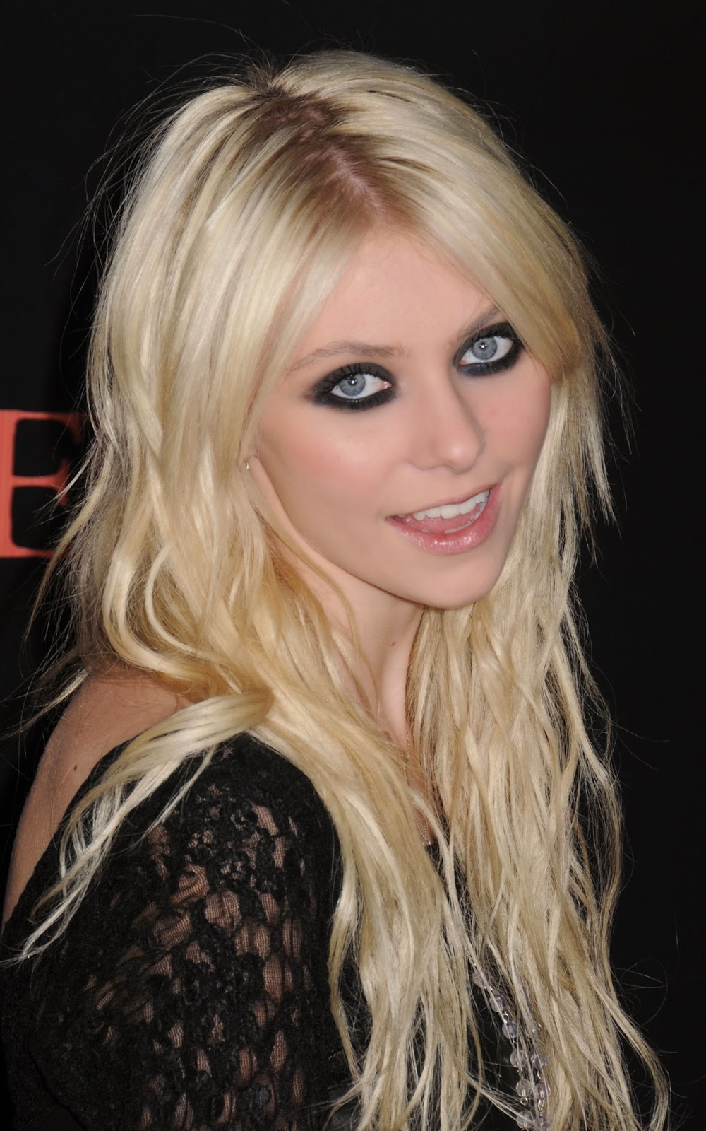 Taylor Momsen Photos | Tv Series All Poster Taylor Momsen