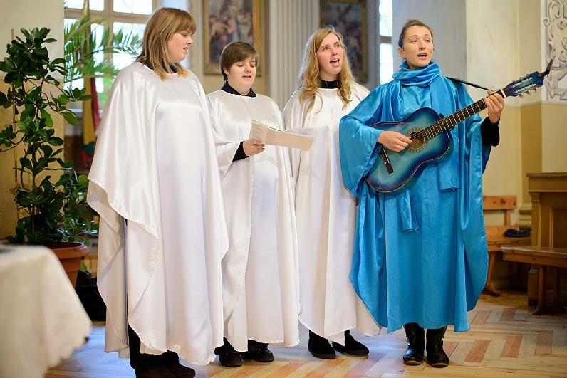 choras bažnyčioje per vestuves
