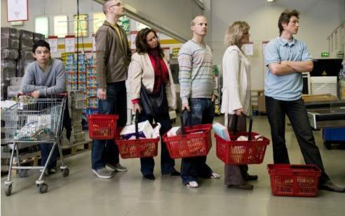 Supermarket+Queue.jpeg