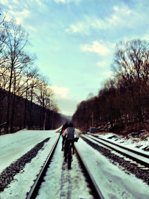 Riding tracks on fat bike