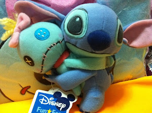 Cuddle up with Stitch & Scrump^^