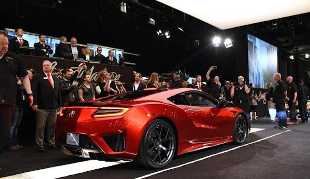 ホンダの新型「NSX」の記念すべき第一号車がオークションで1億4500万円で落札!