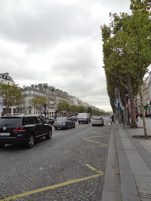 Champs-Élysées boulevard