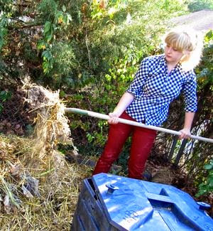 4 Ways Composting Saves Money