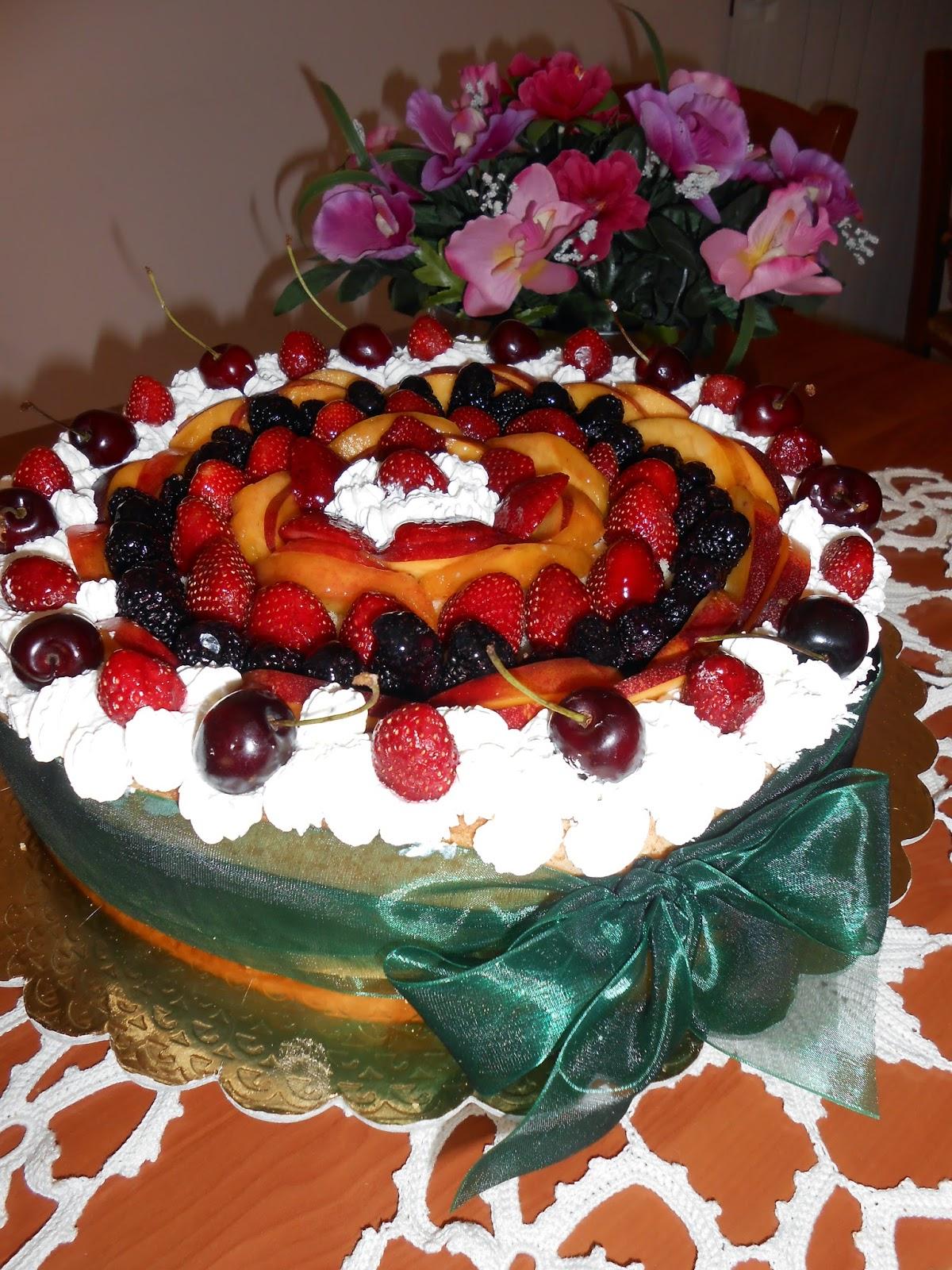 cestino con frutta fresca