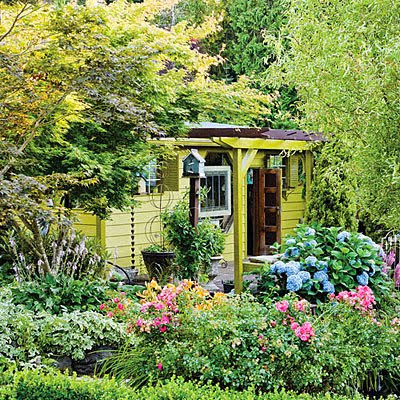 Small backyard cottage ideas for Backyard cottage designs
