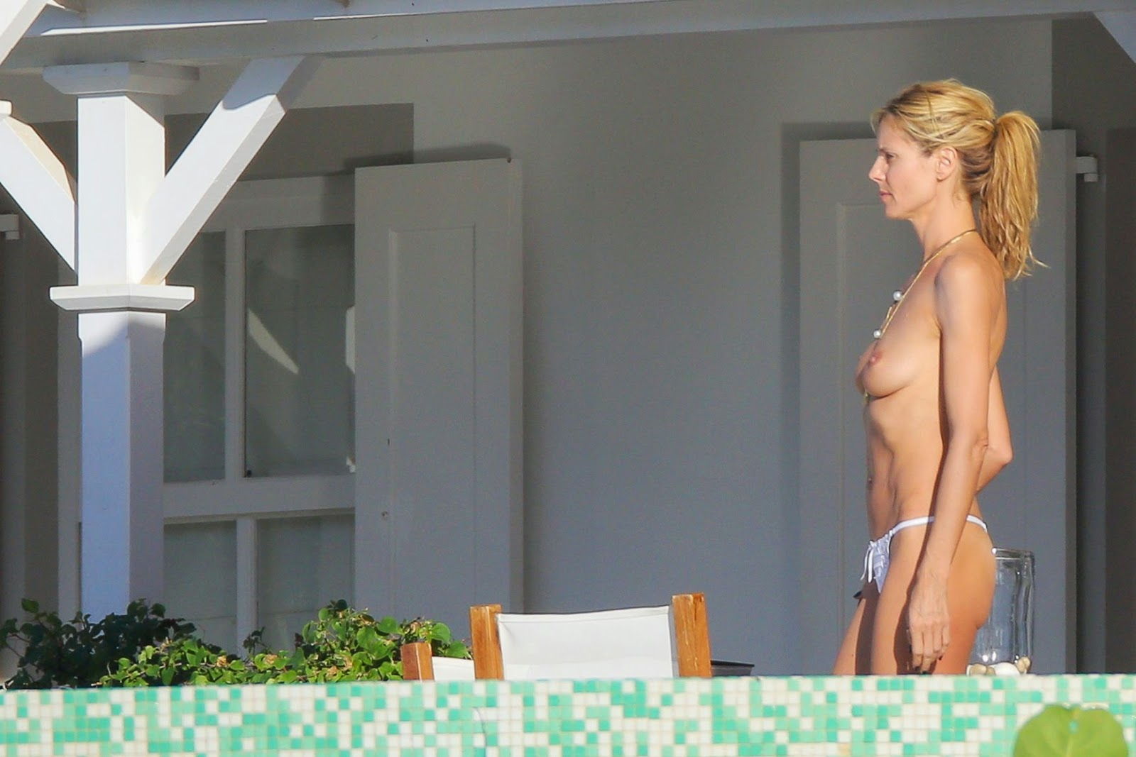 imagetwist.com nude 3 Heidi Klum Topless Bikini Candid Photos Sunbathing In St. Barts | Gutter  Uncensored